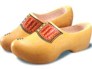 papuci-lemn